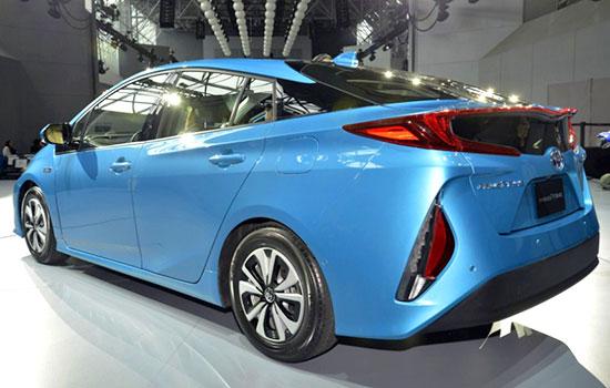2019 Toyota Prius Plug-in Hybrid Exterior