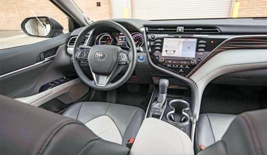 2019 Toyota Camry Hybrid XSE Interior