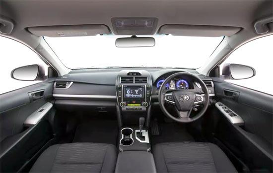 2019 Toyota Camry RZ Interior