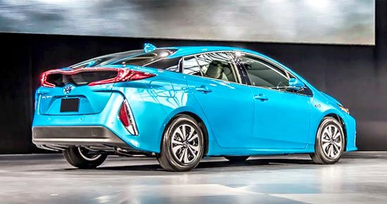 2019 Toyota Prius V Release Date and Price