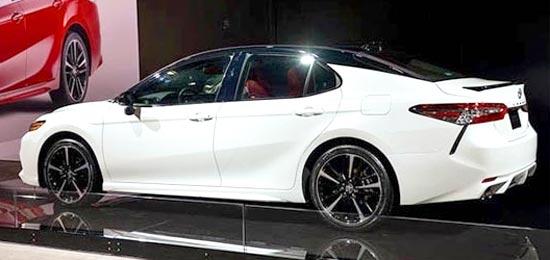 2019 Toyota Camry Hybrid Exterior