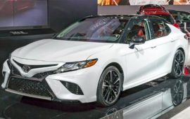 2019 Toyota Camry Hybrid Review and Specs