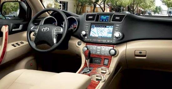 2020 Toyota Highlander XLE Interior