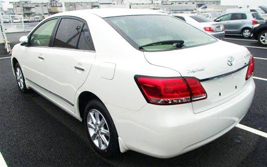 2020 Toyota Premio Exterior